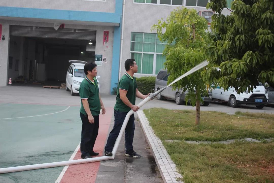 2018年安全消防演习 (7)